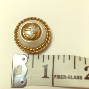 Gucci large pearl button